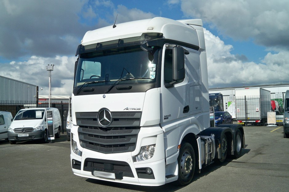 Approved used mercedes trucks for sale for Used mercedes benz truck